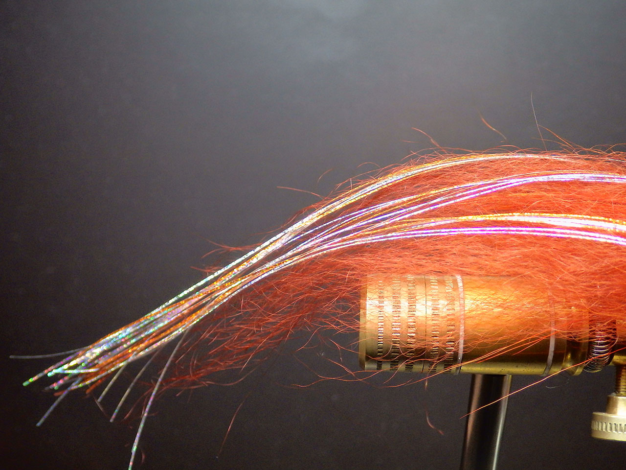 7. The length of the holographic fibres should be a little longer than the yak wing.